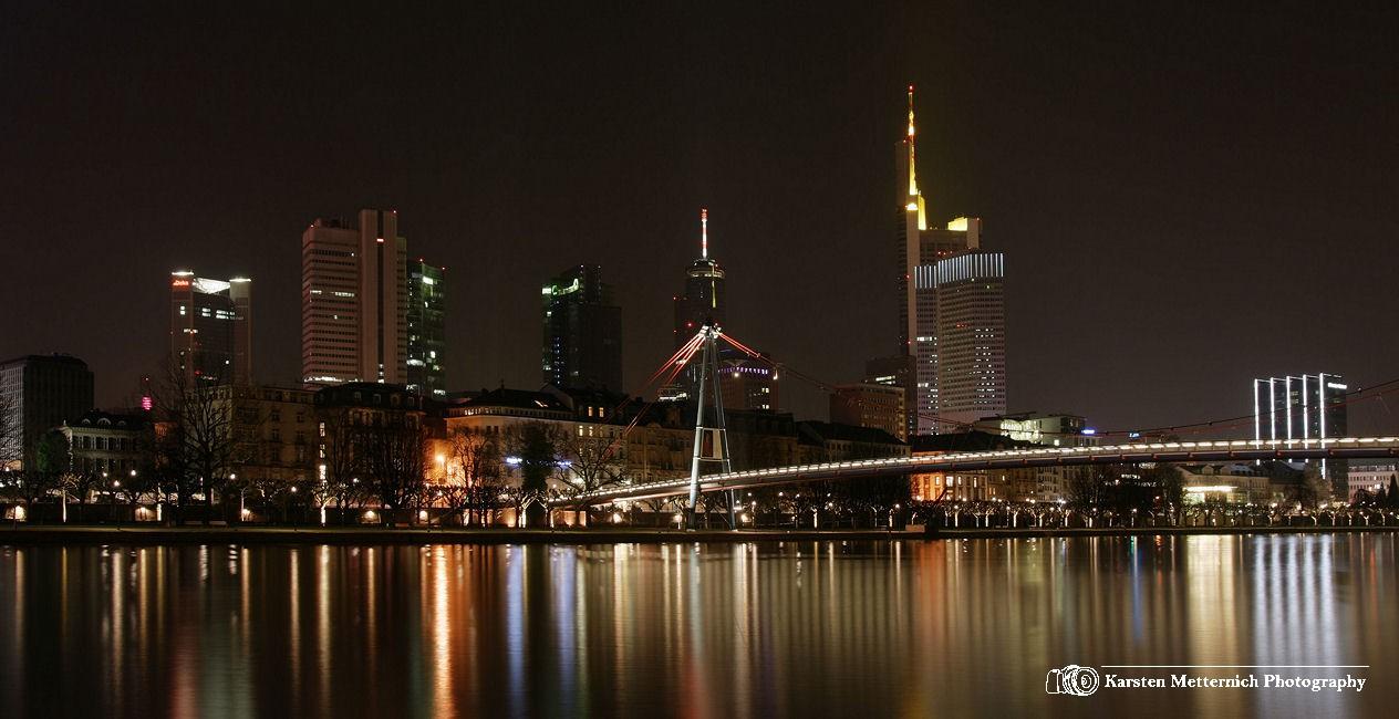 Innenstadt Frankfurt als Location für Hochzeitsbilder